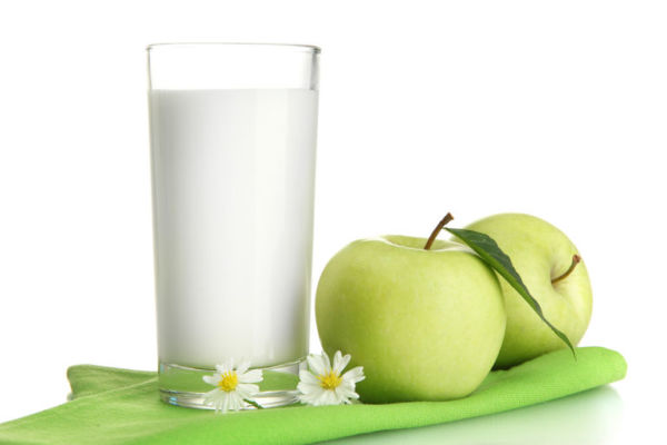 Кефир и яблоки