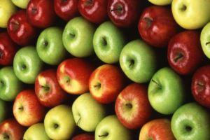 Красные и зеленые яблоки