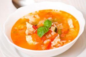 Капустный суп с помидорами