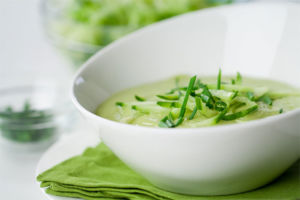 Суп с авокадо и огурцом