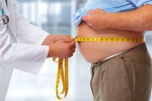 Измерение живота у мужчины