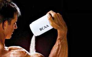 Спортсмен с добавкой БЦАА