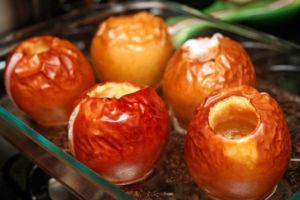 Печеные в духовке яблоки