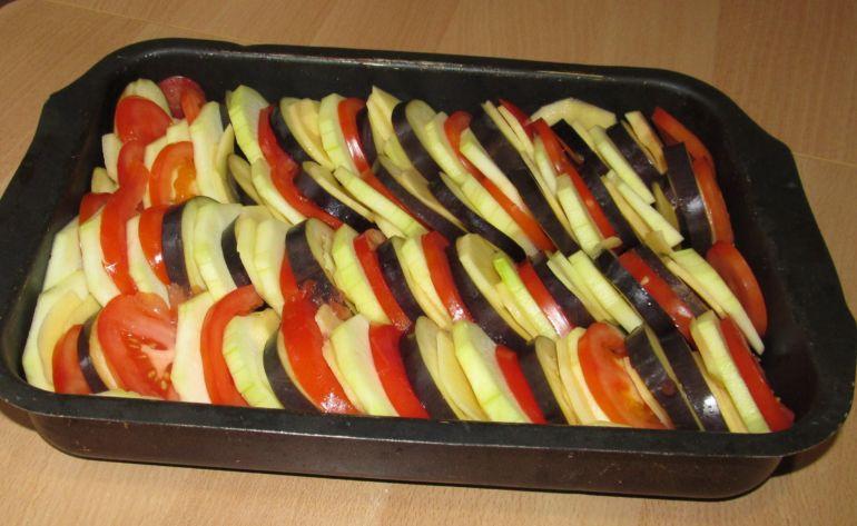 Картофельная запеканка с баклажанами в духовке