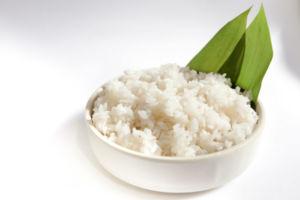 Рис в тарелке