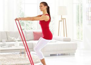 Упражнение для рук с эластичной лентой