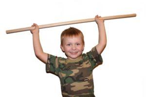 Мальчик с гимнастической палкой