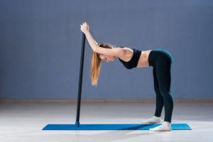 Упражнения с гимнастической палкой на гибкость